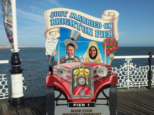 just married brighton pier sign