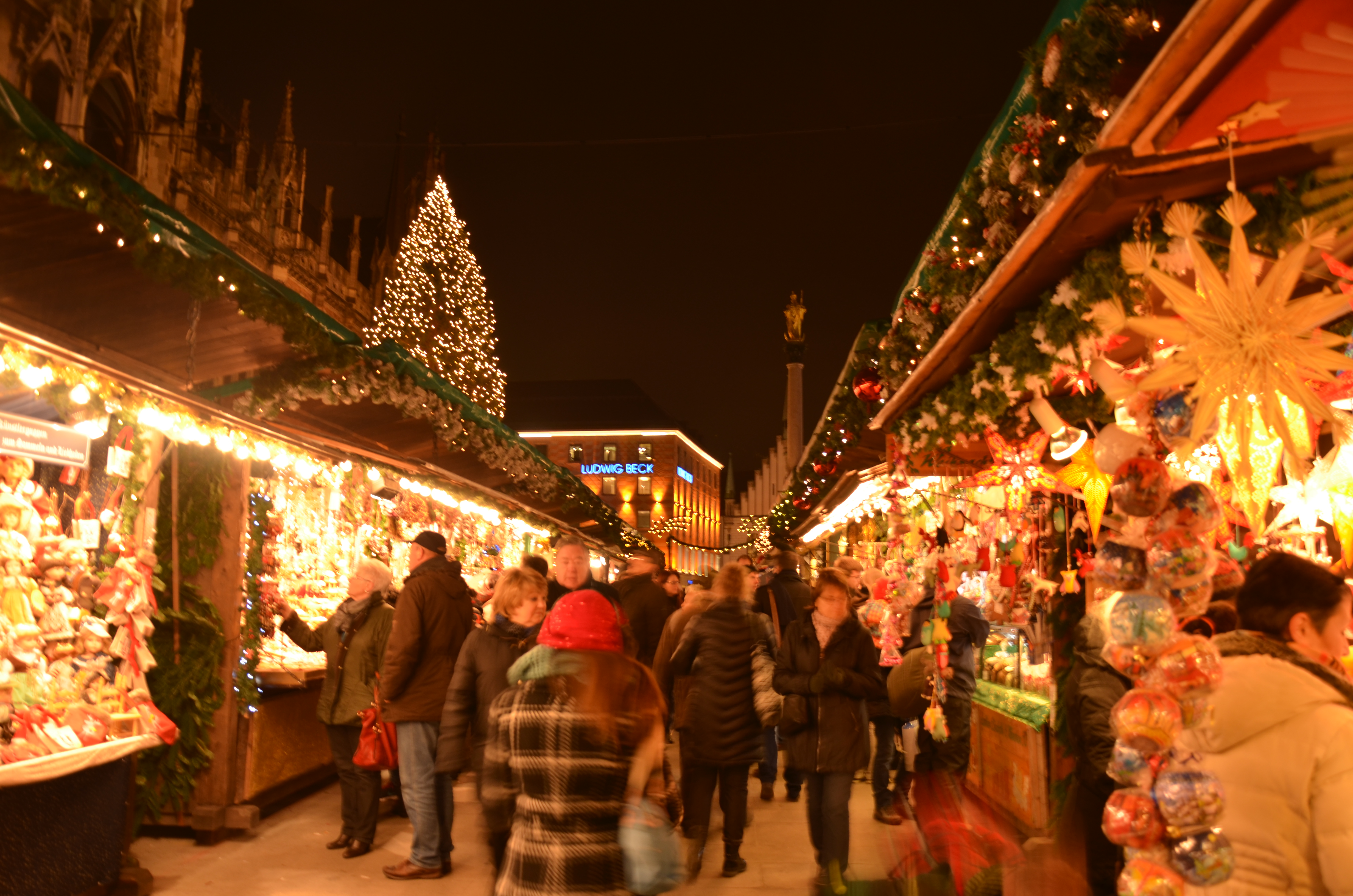 Munich Christmas Market.Touring The Christmas Markets Vienna Salzburg Munich