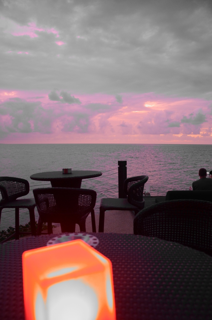 sunset bar Borneo Shangri La