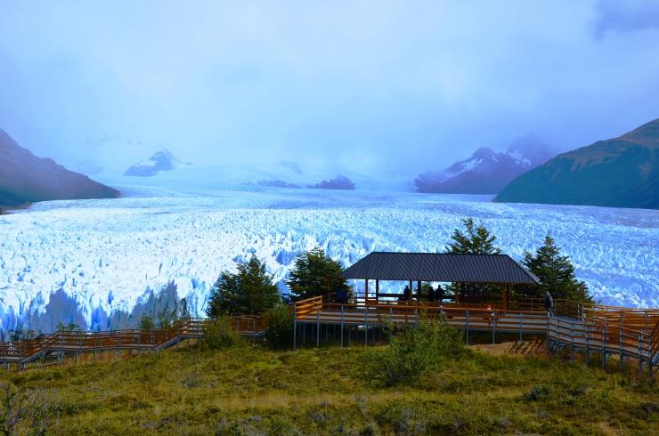 Perito Moreno glacier viewing platform balcony