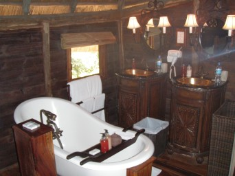 Selous Serena camp bathroom