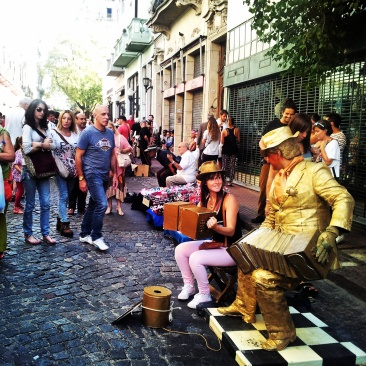 street entertainer gold man Buenos Aires
