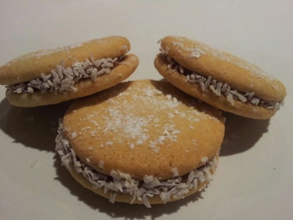 alfajores dessicated coconut homemade