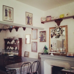 interior tea shop salon Benevent L'Abbaye