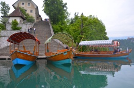 boats lake bled