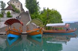 boats lake bled
