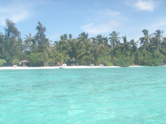 Kurumba Maldives turquoise water