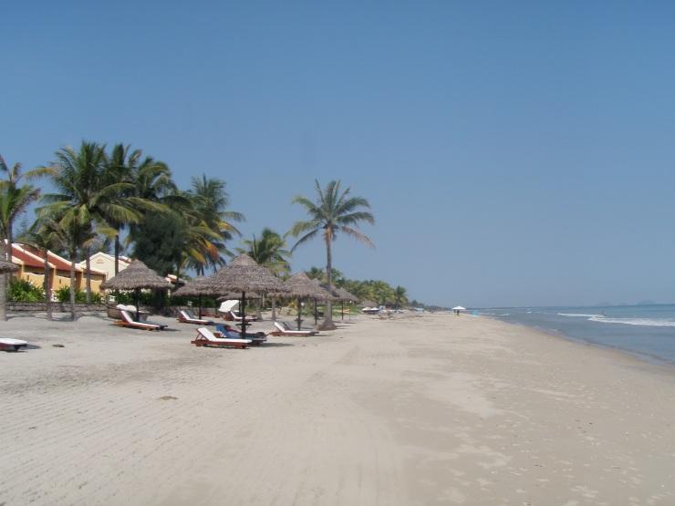Victoria resort Hoi An white sand beach