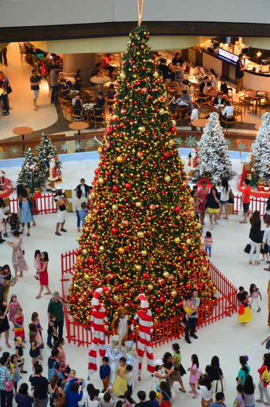 Christmas celebration tree shopping mall Singapore