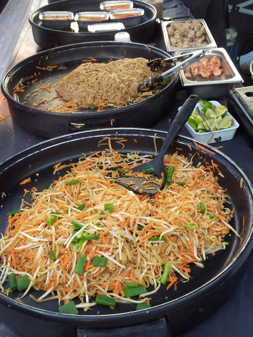 hot Thai food Place Jourdan Sunday market Brussels