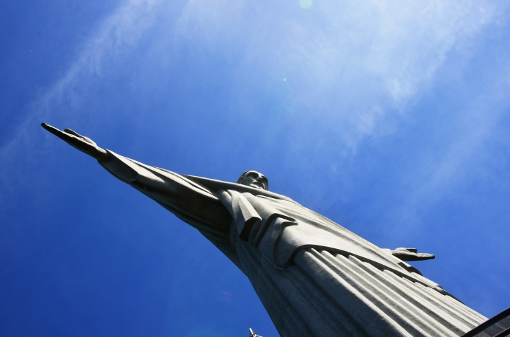 Cristo Redentor Rio side angle view