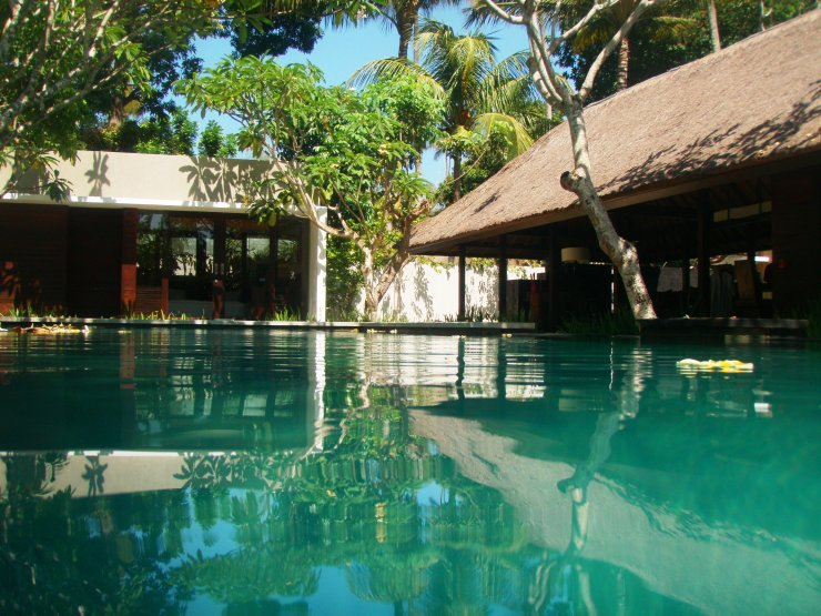 luxury infinity pool Kayumanis Bali