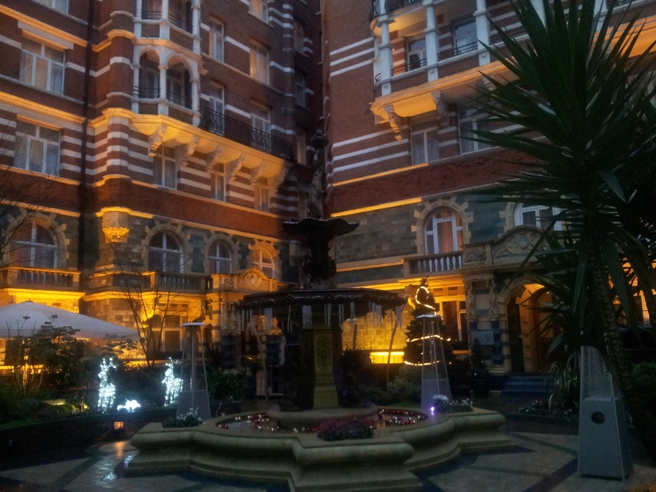 St James Court Taj Hotel London courtyard