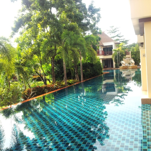 pool access hotel rooms Koh Lanta