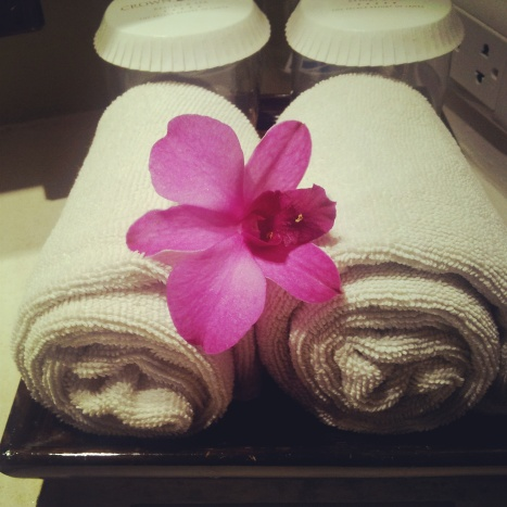 hotel room towels orchid Crown Lanta