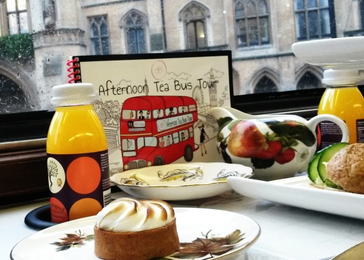 Westminster Abbey afternoon tea bus tour London