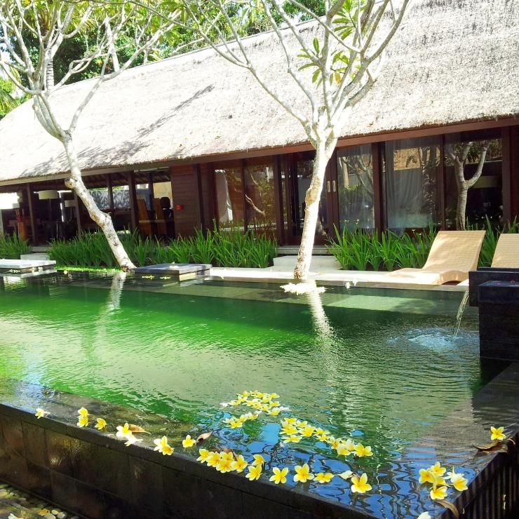 private pool Kayumanis