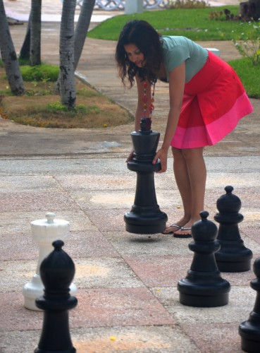 giant chess royal hicacos