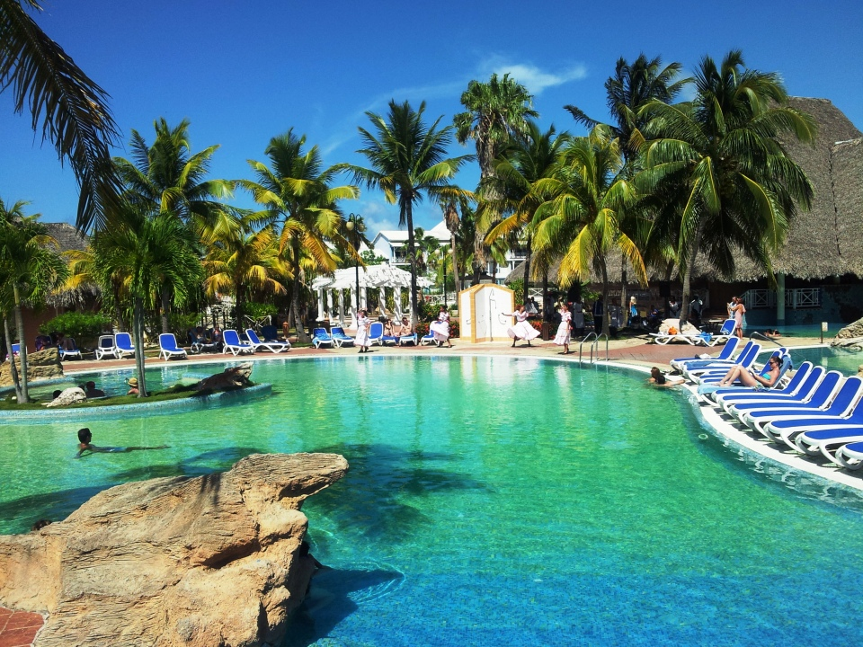 royal hicacos swimming pool