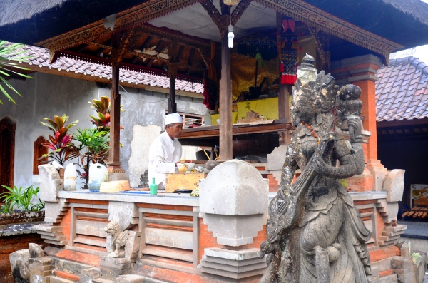 Balinese family priest