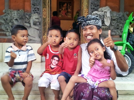 Bali traditional tours visit family home