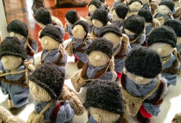 wool war one knitted soldiers