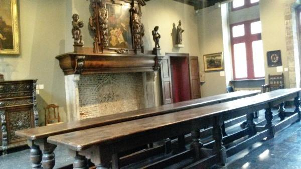 dining room Musee de la Comtesse