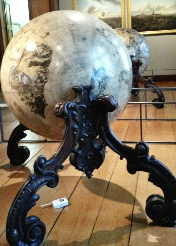 Lille museum globe