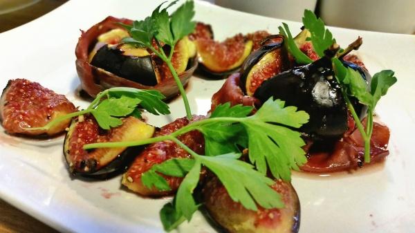 figs balsamic parma ham