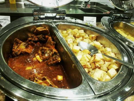 hot food plaza lounge abu dhabi