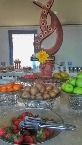 fresh fruit Ritz Carlton lounge