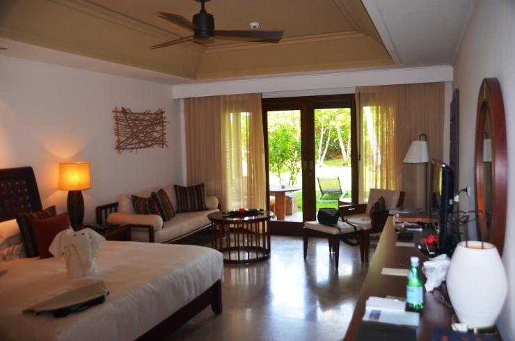 bedroom Constance Lemuria resort Seychelles