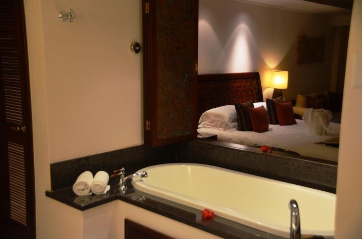 constance lemuria bath tub