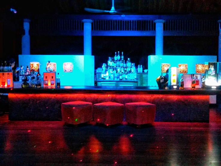 Constance luxury resort Seychelles bar