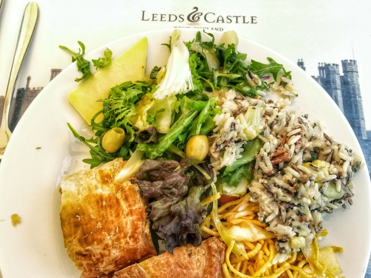 Castle cafe restaurant Ploughman's  board