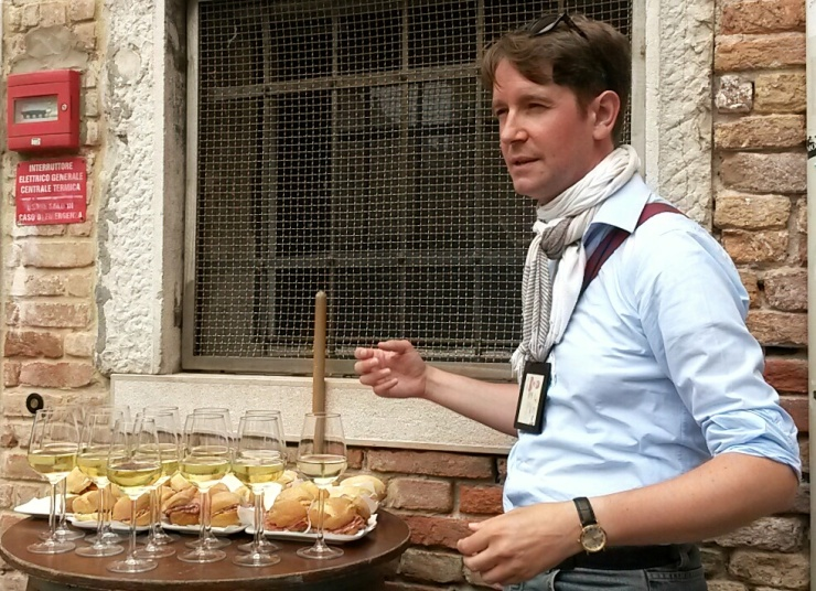 Walks of Italy food cicchetti tour guide