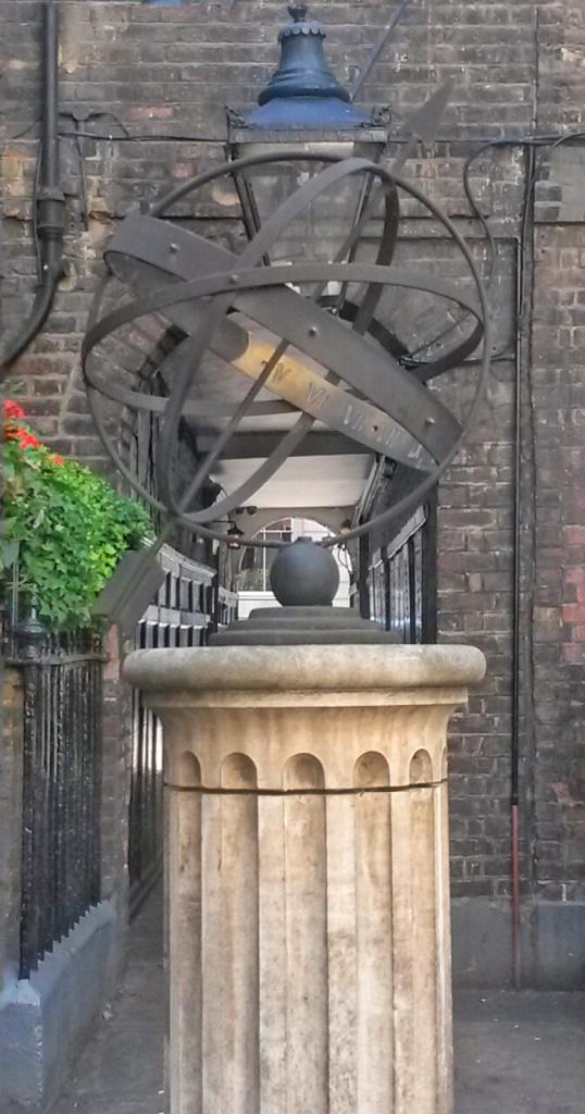 unique London city tour Pickering place