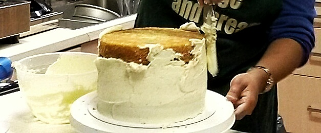 icing 3 tier sandwich cake