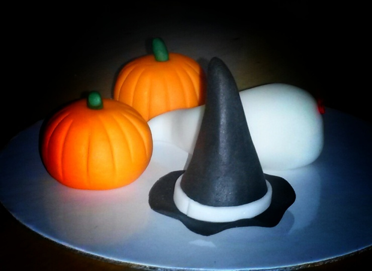 Halloween cupcake fondant decoration