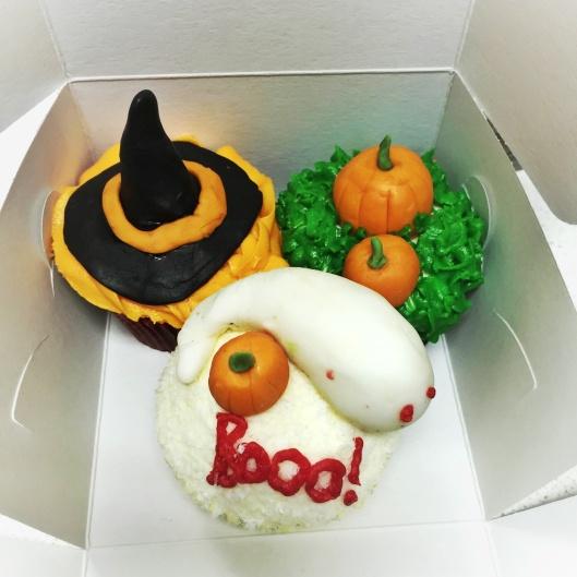 Halloween cupcake decoration London