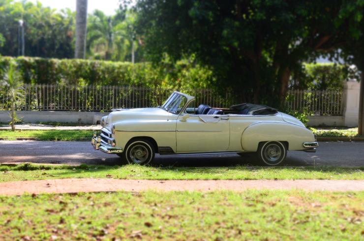 Cuba vintage car tour