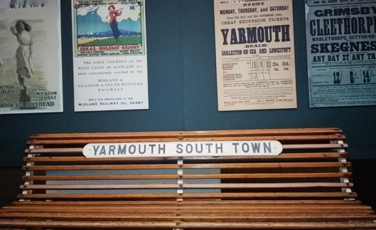 Yarmouth South Town bench