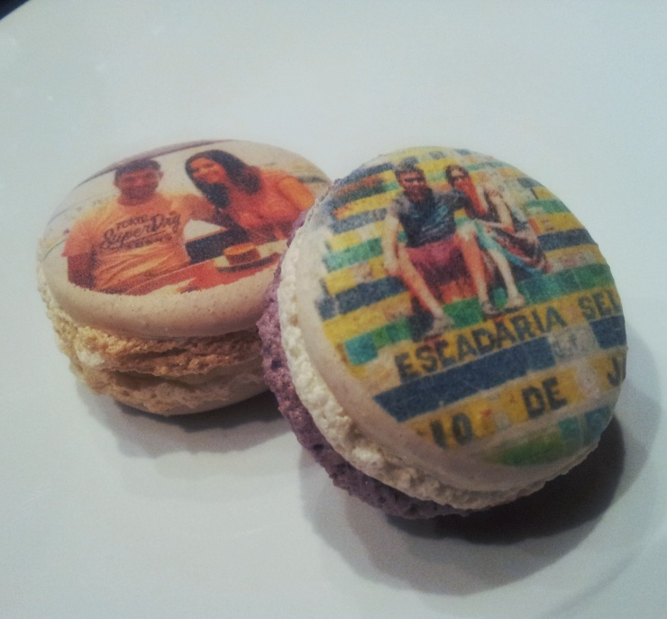 Boomf personalised photo macarons