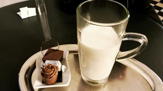 best hot chocolate Bruges Dumon