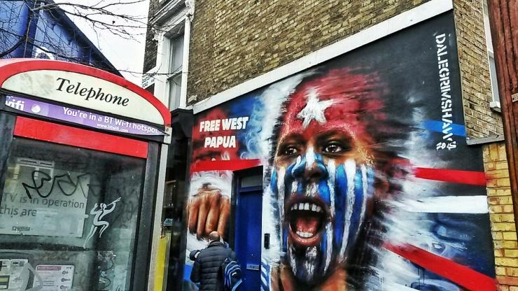 Free West Pappua street art Camden
