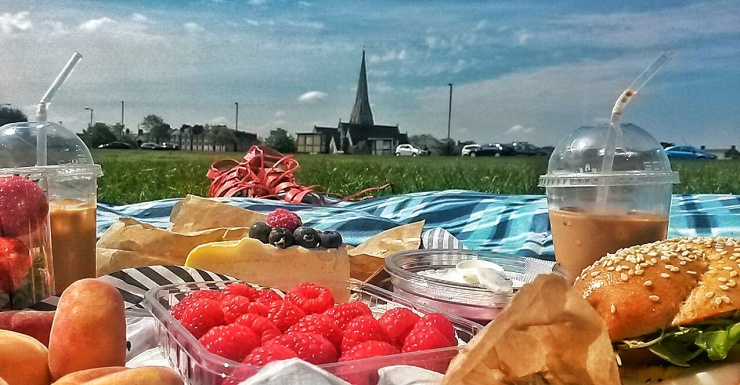 Blackheath Common London picnic