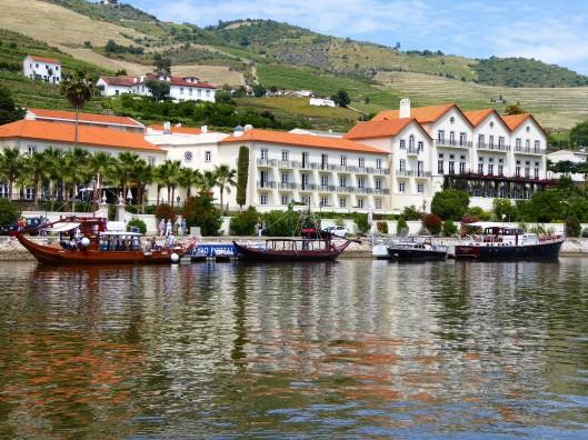 electric boat trip Douro River Porto