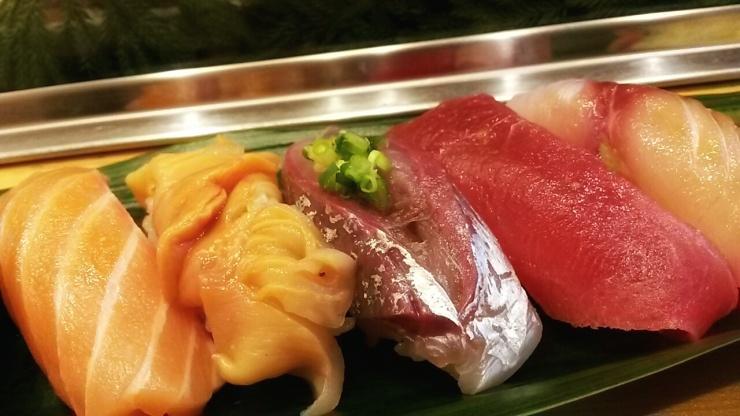 Tsukiji fish market Yamazaki sushi