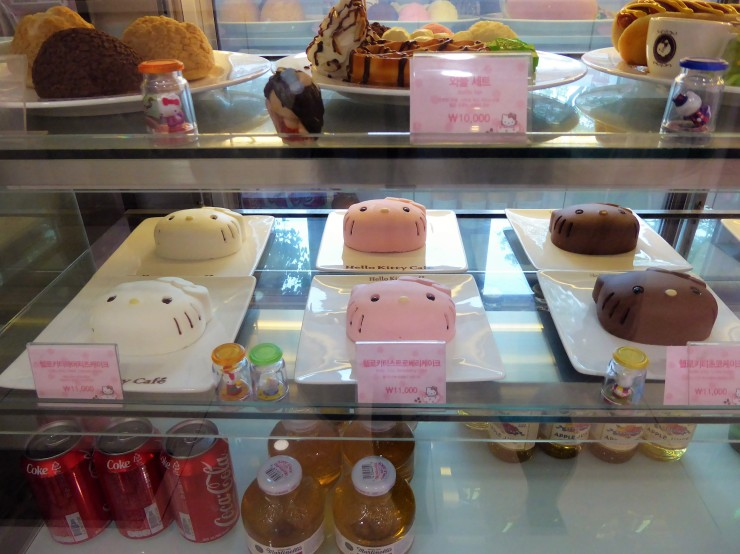 Hello Kitty dessert cafe