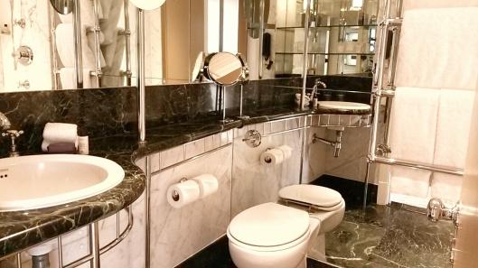 Athenaeum hotel bathrooms